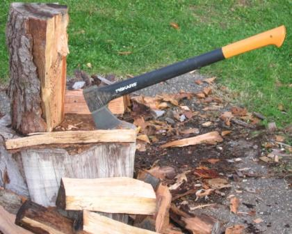 Fiskars ax on the splitting block